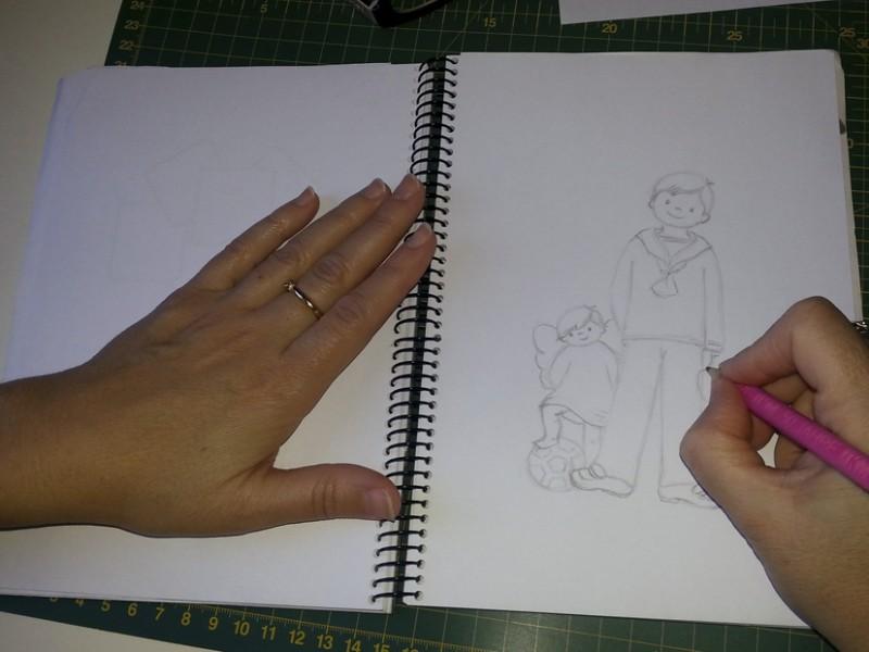 3.Foto de manos dibujando